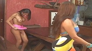 Kelly&Marjorie horny shemales on clip