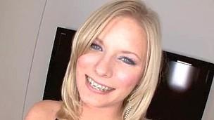 Legal Discretion Teenager Waitress Bonks Hard For Mouthful of Semen
