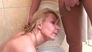 This Babe licks wazoo, bonks and sucks on a public toilet