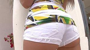 Good looking Rachel Roxxx is having amazing sexual coitus indoors