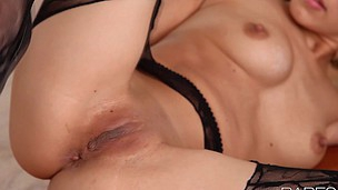 Underware clad beauty Lexi Bloom is trying to get herself off