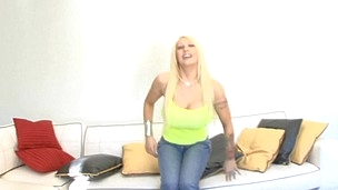 Vulgar comme ci with big ass  Candy is satisfying her bastard